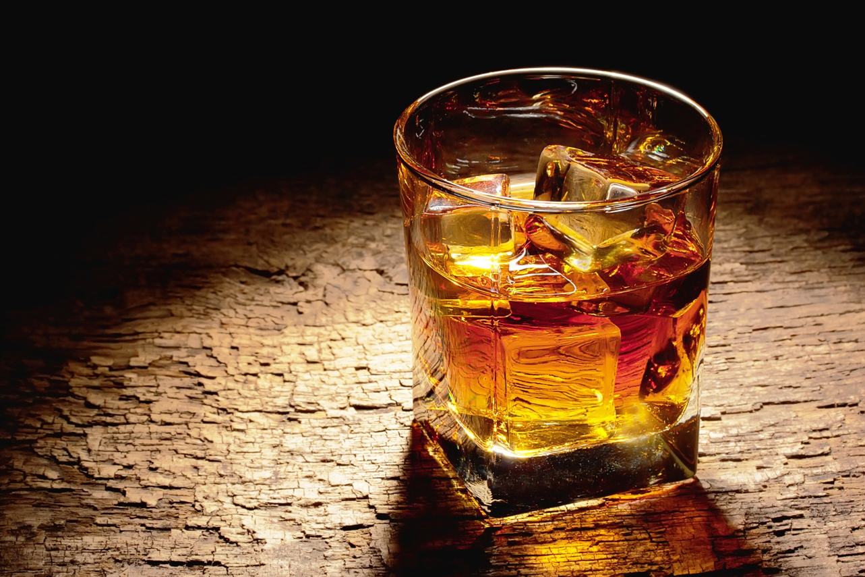 """Guerra en el mundo del whisky: la tecnología ya permite """"añejar"""" al instante"""